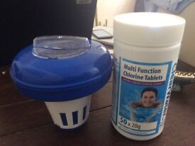 Chlorine capsules and water float rotator
