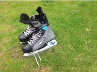 Ice skates,good condition,size 8.5