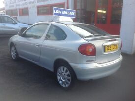 Renault megane coupe sport FIDJI edition 1.4 2002 only 64000 miles MOT ONE YEAR PSH
