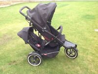 PHil &Teds SPORT double buggy - Includes cocoon, double raincover and double seat attachment.