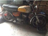 Suzuki GT250 197? Spares/Repair. Classic.