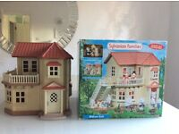 SYLVANIAN FAMILES HOUSE - WILLOW HALL - COMPLETE WITH BOX