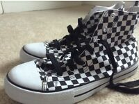 Men's BLUE BANANA black/white checked shoes (42) NEVER WORN