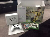 Xbox one S with 3 games, a controller and a spare controller