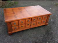 Very nice Table with 3,Drawer