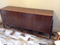 Sideboard for lounge or dining room with 6 drawers and middle cupboard