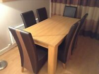 Hampshire Dining Table & 6 Chairs - Natural Oak Effect Finish - Harvey's Furniture
