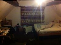Double bed room with ensuite. All bills included (£320)