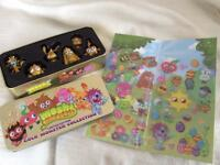 Moshi Monster limited Edition Gold Collection Tin & stickers