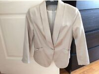 Gorgeous size 12 Champagne H&M jacket in immaculate condition