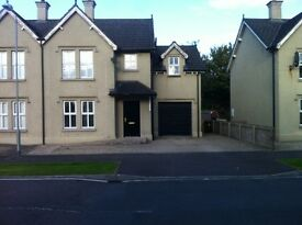 House to rent 3 BEDROOM secure back garden MOY