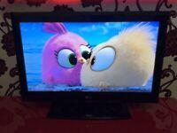 "AMAZING 32"" LG FULL HD INTERNET LED TV FREEVIEW LG NETCAST SKYPE VIDEO CALLS YOUTUBE BBC IPLAYER"