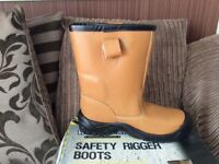workwear safety rigger boots new in box size 10