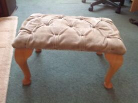 FOOT STOOL, WOODEN LEGS, PADDED STUDDED TOP £5 quick sale