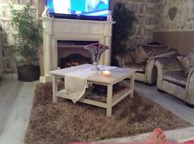 Coffee table like new cost £125