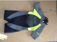 Wetsuit childs shortie age 4-6