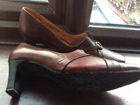 Ladies Van Dal shoes