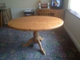 Solid pine oval table