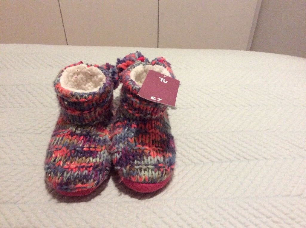 Girls slippers brand new size 10-11