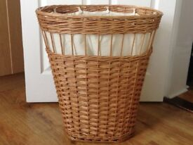 Vintage Style Wicker Laundry Basket with linen buttoned liner - very good clean condition