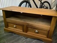 wood tv unit in very good condition