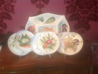 Italian Ceramic Serving dish and 6 plates, Vintage. Hand painted vegetables. VGC
