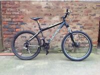 Carrera Vulcan Mens hardtail mountain bike