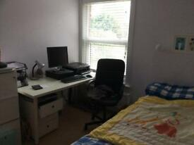 Large bedroom in East Grinstead House share.