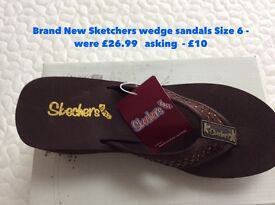 Brand New in Box Sketchers wedge sandals brown Size 6