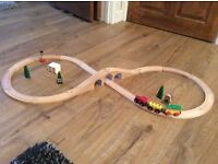 Small wooden track and a separate bridge pieces 10£