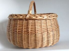 Authentic Oval Wicker Shopping Basket (as new clean cond)