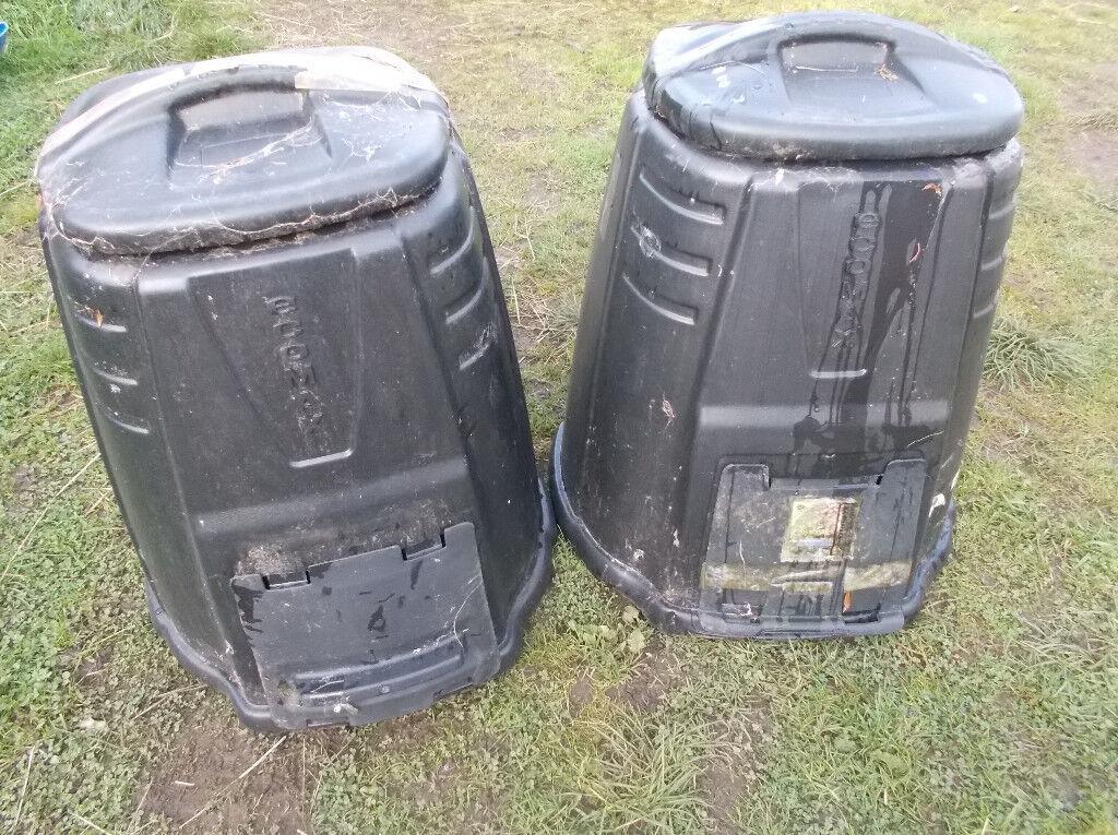 2x Compost Bins