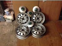 Skoda Felicia wheel hubs 4 with caps