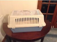 Cat carrying cage