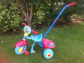 Great peppa pig trike with removable handle excellent condition