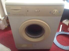 Condenser tumble dryer