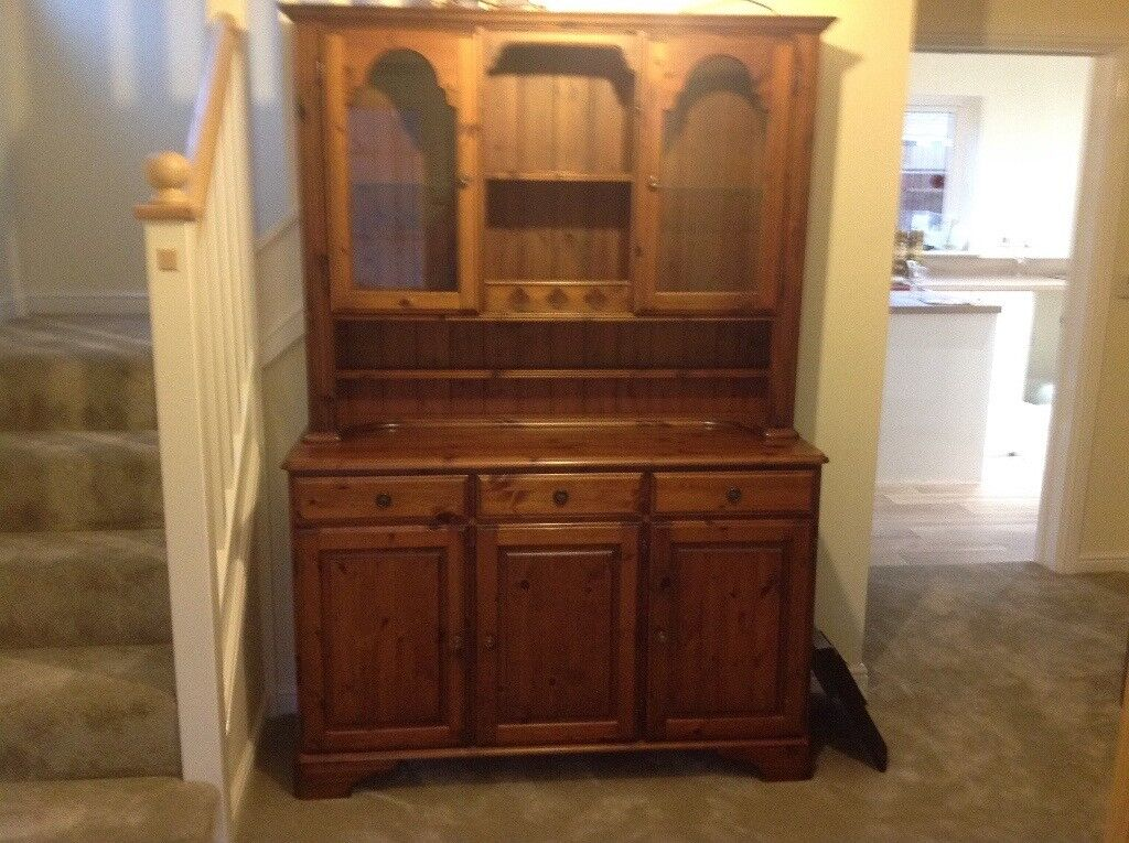 Ducal Hampshire dresser