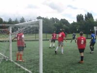 FOOTBALL IN SOUTHFIELDS, 1 MIDFIELDER NEEDED: TUESDAY NIGHT AT 8PM. Football Team