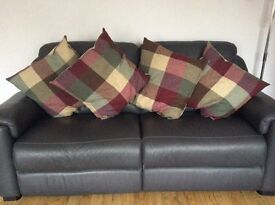 4 x Heritage style cushions