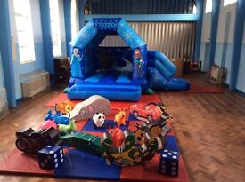 Frozen Bouncy Castle with Soft Play