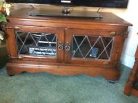 Old Charm TV Table/cabinet