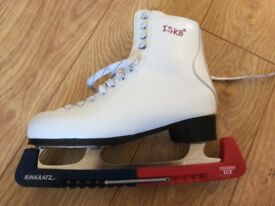 Ladies ice skates size 39, bag and blade guard- barely used