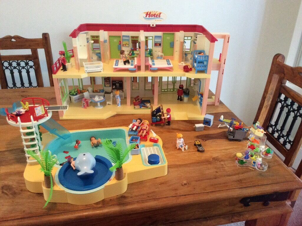 Playmobil hotel and accessories and Playmobil swimming pool and accessoriesin Denmead, HampshireGumtree - Playmobil hotel and assessories and playmobil swimming pool and accessories. In good condition. The shower in the pool doesnt pump the water and one of the railings on the hotel is missing a rung but otherwise all else is in good condition. From...
