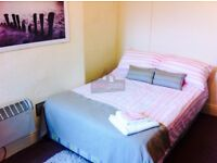 large bedsit available with own kitchen