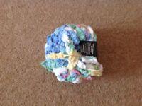 5 x 100g Pom Pom Yarn. £7