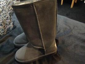 Ladies Grey Ugg Boots -Size 5- tall boot £40