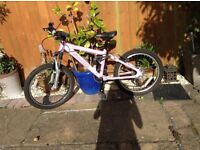 Girls pink Carrea bike 20' excellent condition