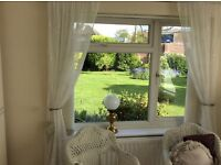 Beautiful detached 2 large bedroom bungalow