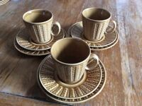 Retro tea/coffee cups, saucers and side plates