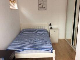 a light double bedroom in Battersea